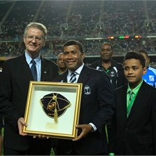 IRB chairman Bernard Lapasset (left) presents Waisale Serevi with IRB Award. Photo: IRB