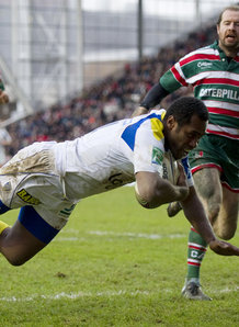Sivivatu scores a try for Clermont. Photo: Planet Rugby