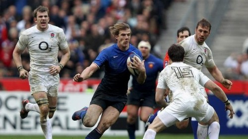 French back Aurelien Rougerie (with ball) was one of the players attacked. Photo: Getty Images