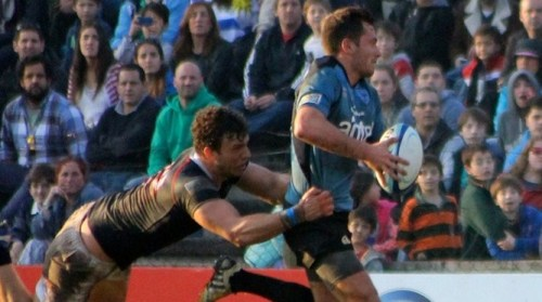 Uruguay in winning action against Hong Kong in front of 5,000 fans in Montevidio. Photo: IRB