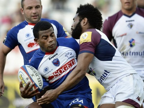 Wings clash . . . Alipate Ratini (with ball) of Grenoble is tackled by Metuisela Talebula of Bordeaux. Photo: Skysports