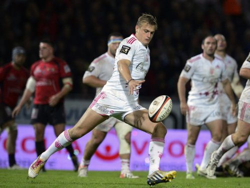 Stades flyhalf Jules Plisson opts to kick against Toulon. Photo: Skysports