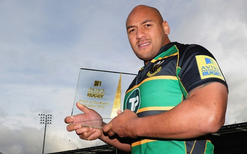 Soane Tonga'huia of Northampton Saints poses with the Aviva Premiership Rugby Player of the Month Award for October at Franklins Gardens on November 9, 2010 in Northampton, England.  Photo: Getty Images for Aviva) *** Local Caption *** Soane Tonga'huia